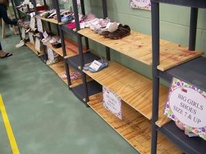 "Making their shelf units ""exapndable"""
