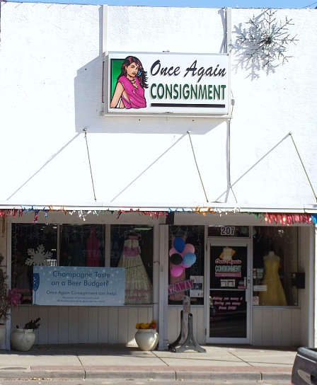 Consignment shop Once Again using banners to draw traffic