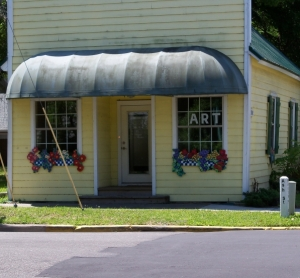 Window boxes for your consignment or resale shop? Sure!