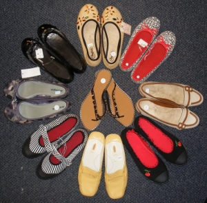 Great way to show the variety in consignment shopping