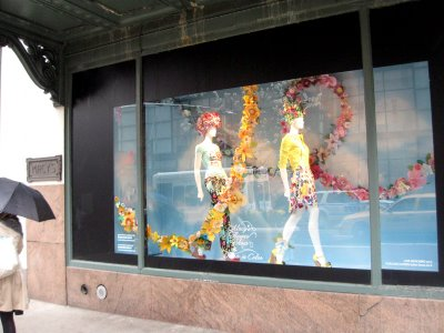 Window display idea for consignment, resale, and thrift shops