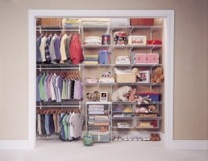 Kidswear display wall idea from TGtbT.com