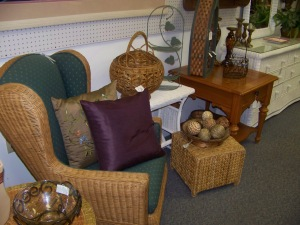 Cluster of consignment pieces