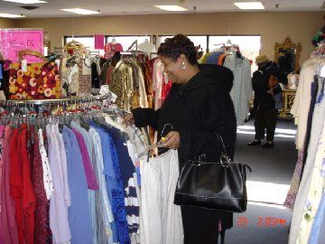 Resale shops need to have the right layout says Auntie Kate of TGtbT.blog